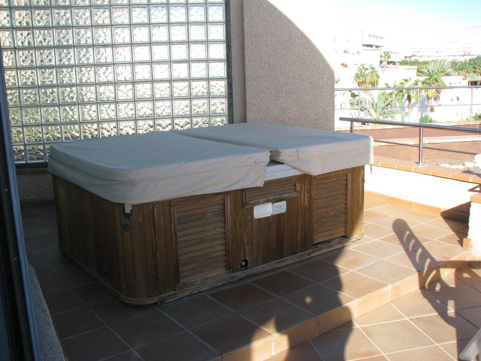 Whirlpool auf dem balkon der junior suite 539 mur hotel faro jandia spa fuerteventura - Whirlpool fur balkon ...