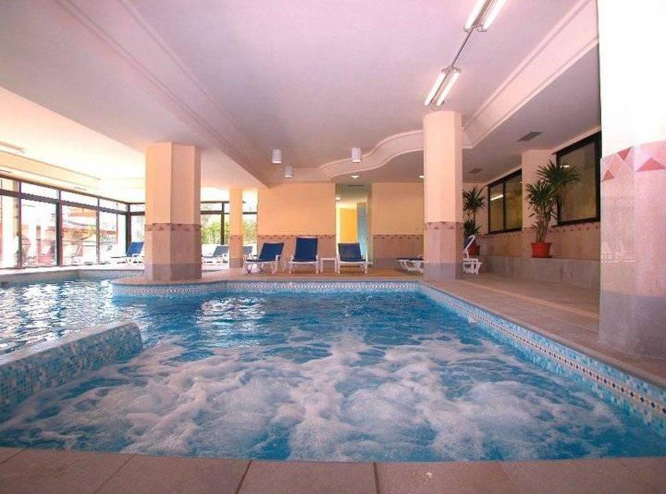 Piscina coperta con whirlpool hotel ilma limone - Hotel con piscina coperta ...