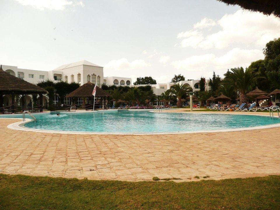 Schöner Pool ohne viel Leute Hotel Shalimar