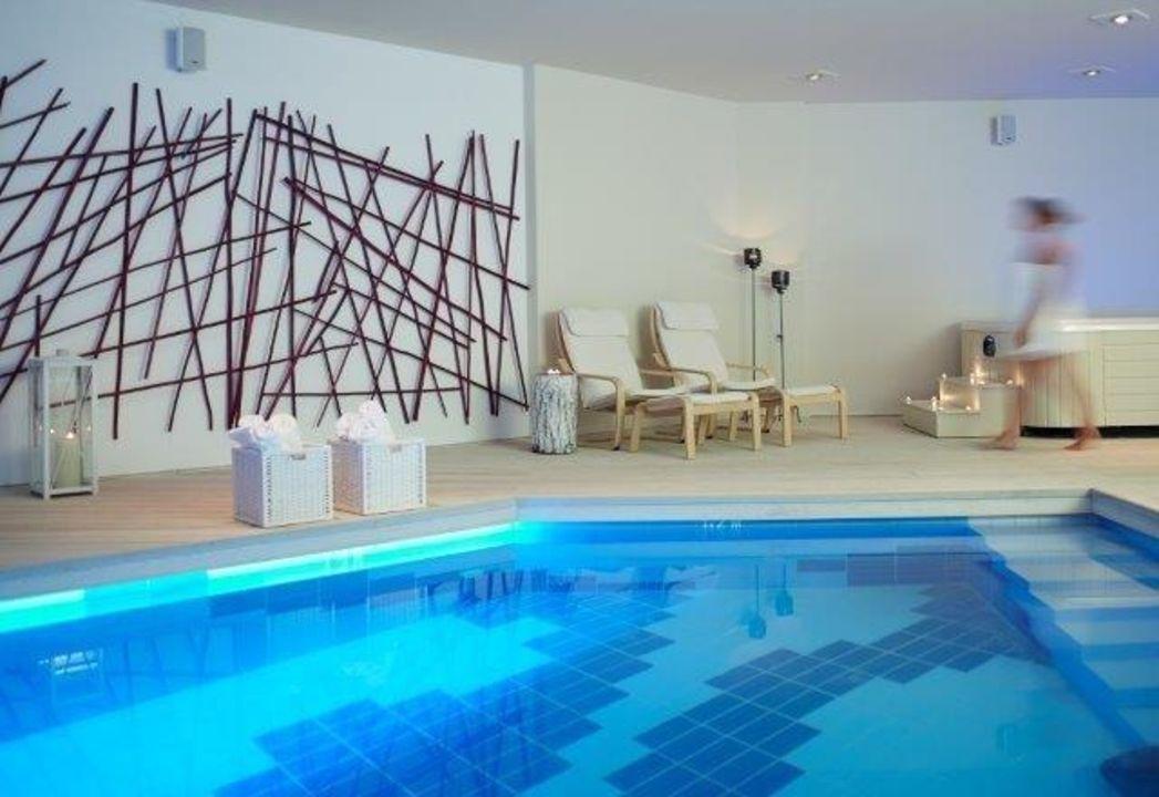 Bild blu suites with private swimming pool zu hotel for Adam eve salon