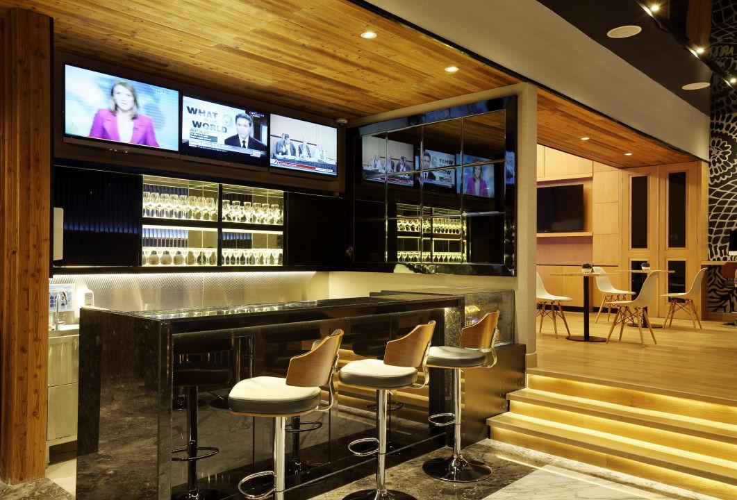 Lobby Bar Holiday Inn Express Jakarta Thamrin