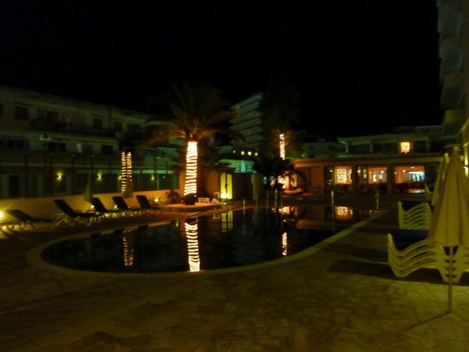Bei Nacht Hotel Biniamar