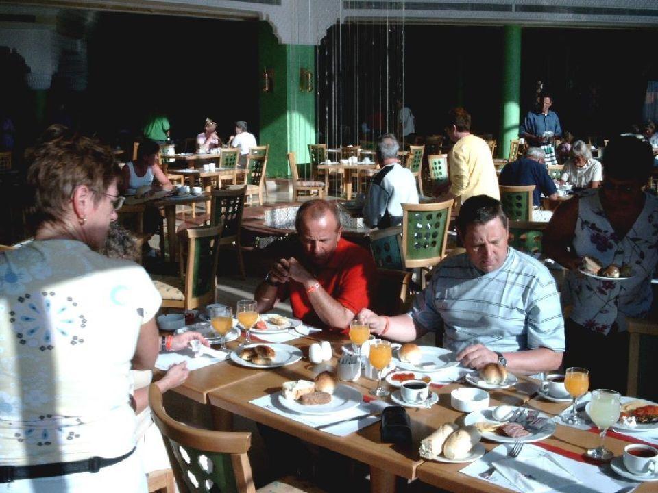Frühstückim Hauptrestaurant - insider nannten es Kanitine Tropicana Grand Azure Resort  (geschlossen)
