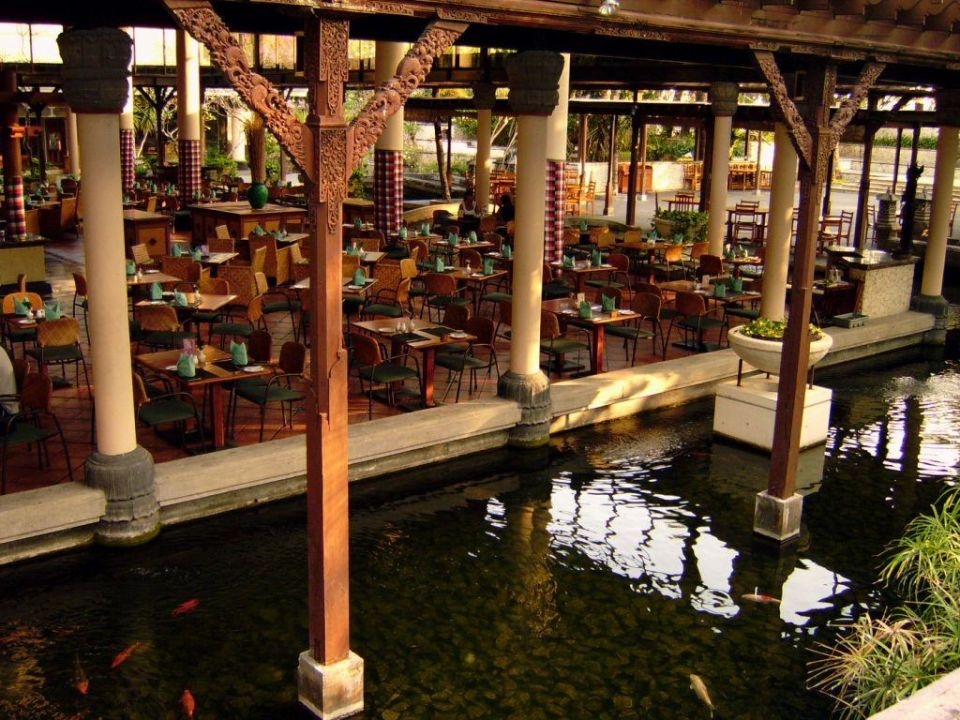 Restaurant Padma Resort Legian