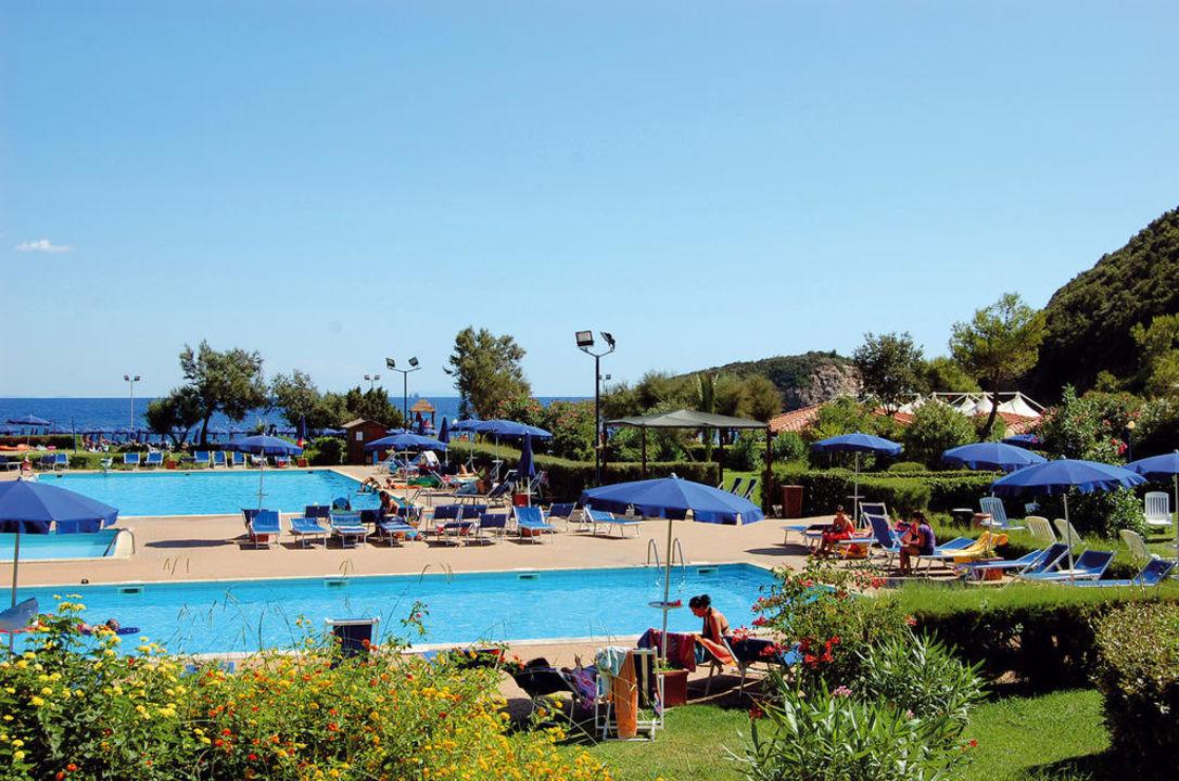La piscina ortano mare village club rio marina for Piscina 6 x 3