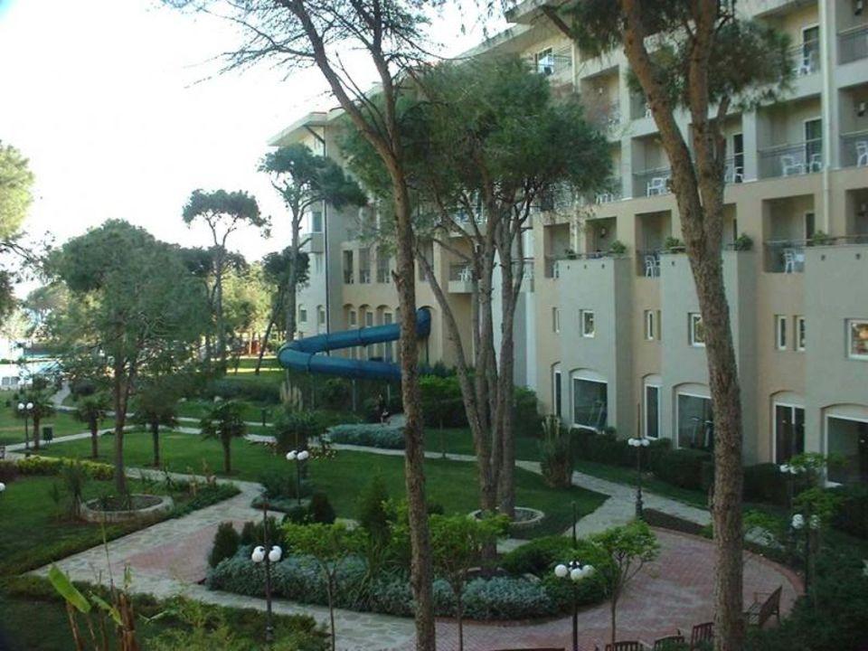 Hotel Rixos Belek - Haupthaus mit Gartenanlage und Wasserrut Papillon Ayscha Hotel