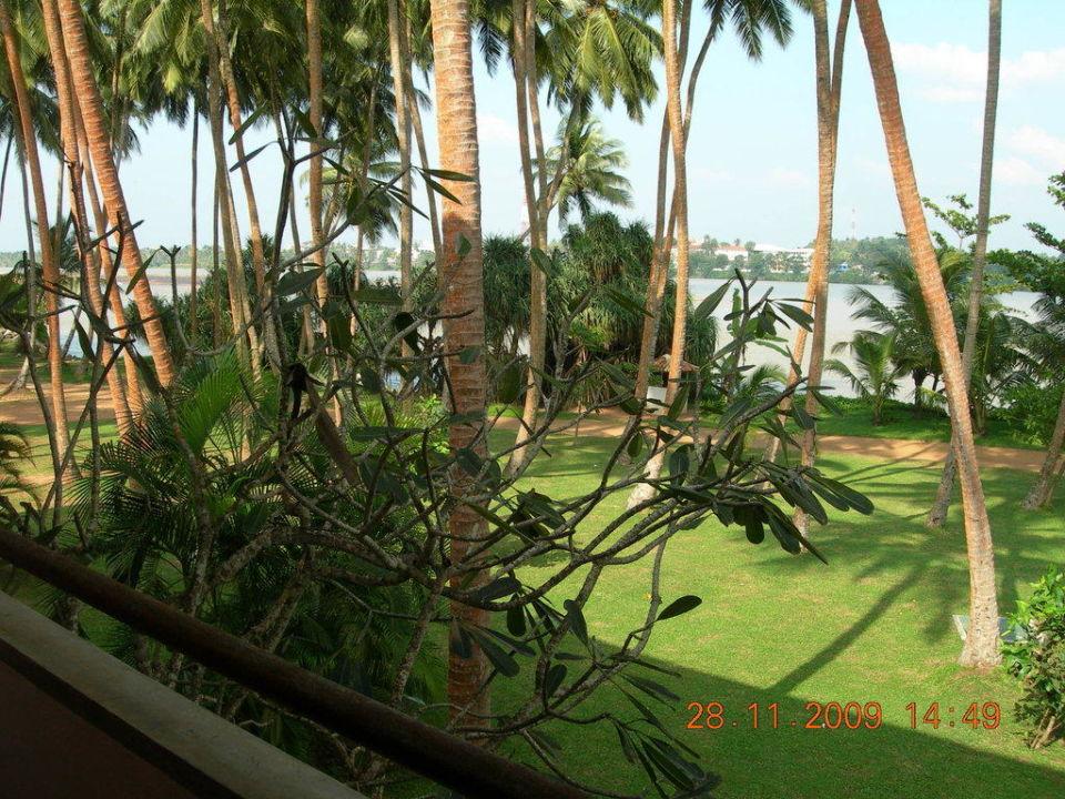 Blick zur Lagune AVANI Kalutara Resort