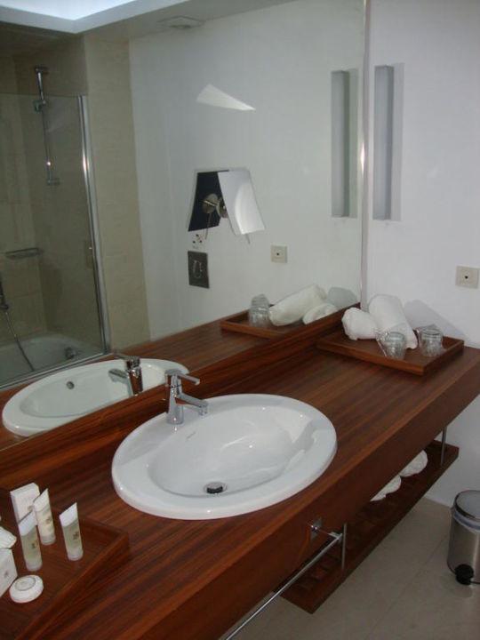 badezimmer hotel alimounda mare karpathos stadt holidaycheck karpathos griechenland. Black Bedroom Furniture Sets. Home Design Ideas