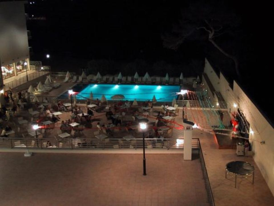 Hotel na Forana miniPool und Bühne Hotel Na Forana
