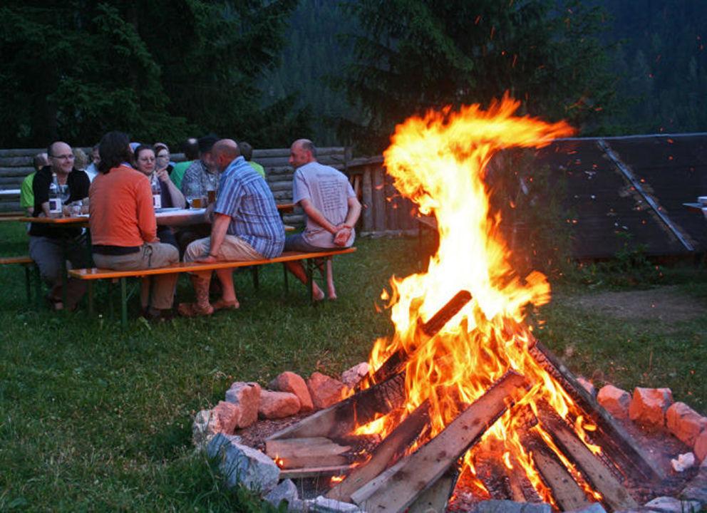 Lagerfeuer nach der Grillpartie Hotel Diana