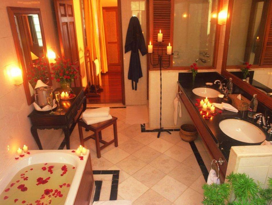 Bathroom Savoy Hotel