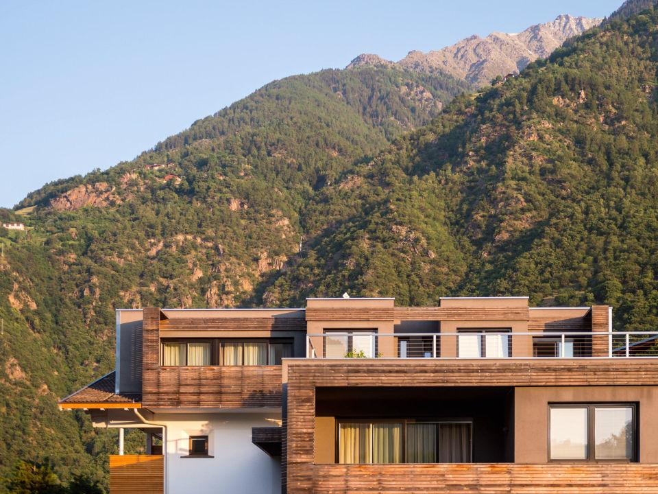Mitten in den bergen design hotel tyrol parcines for Design hotel berge