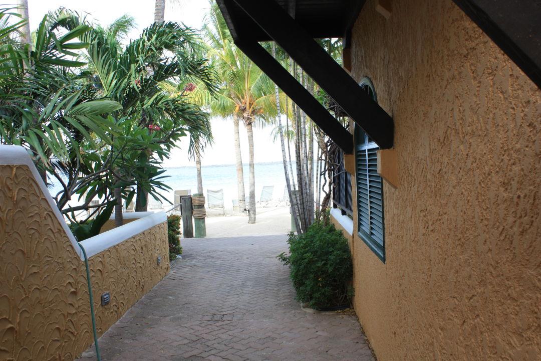 Strand Hotel Harbour Village Beach Club