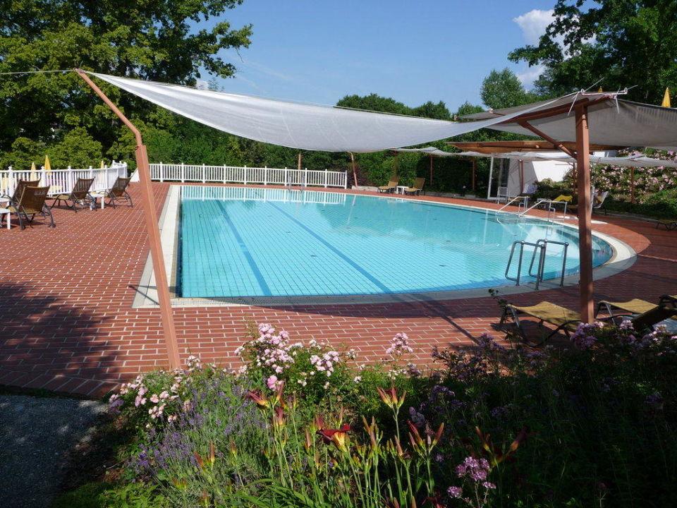 Au en schwimmbad im karnerhof hotel karnerhof egg am for Schwimmbad aussen