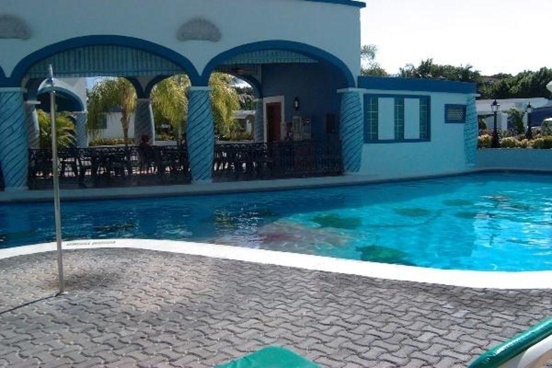 Pool Hotel Riu Palace Mexico