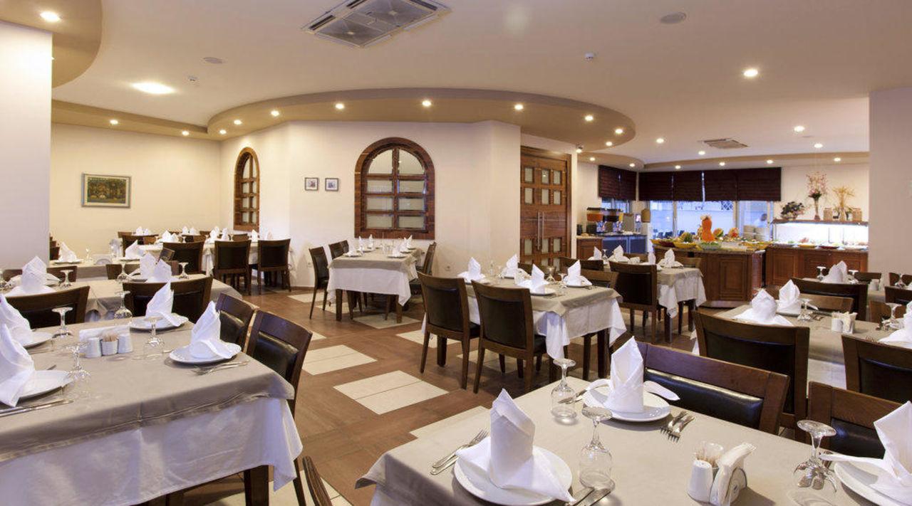 Main Restaurant Xperia Grand Bali Hotel