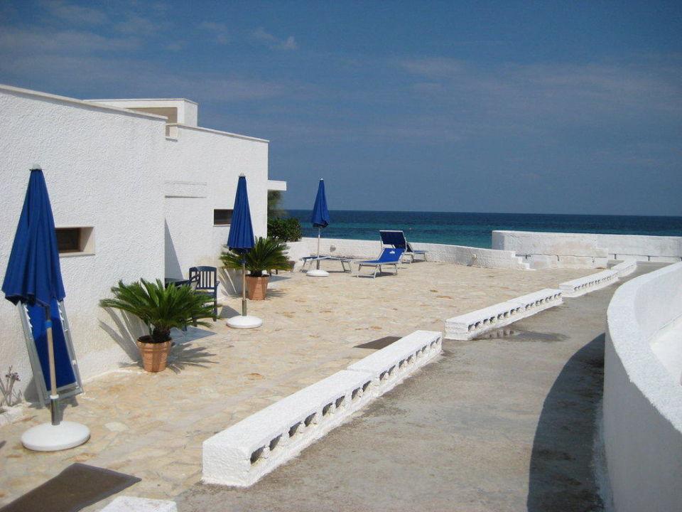 Bungalows direkt am strand hotel lido torre egnazia for Hotel in warnemunde direkt am strand