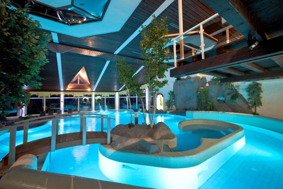 rodenberg spa schwimmbadlandschaft g bel 39 s hotel rodenberg rotenburg an der fulda. Black Bedroom Furniture Sets. Home Design Ideas
