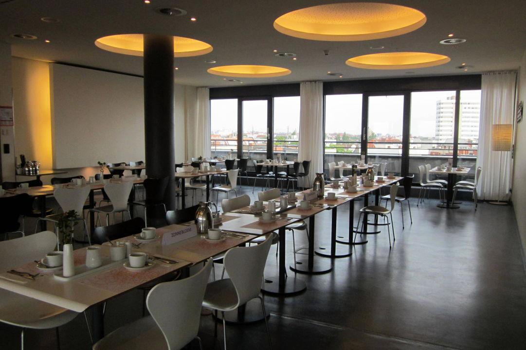 Teil des restaurants ku 39 damm 101 design hotel berlin for Design hotel 101 berlin