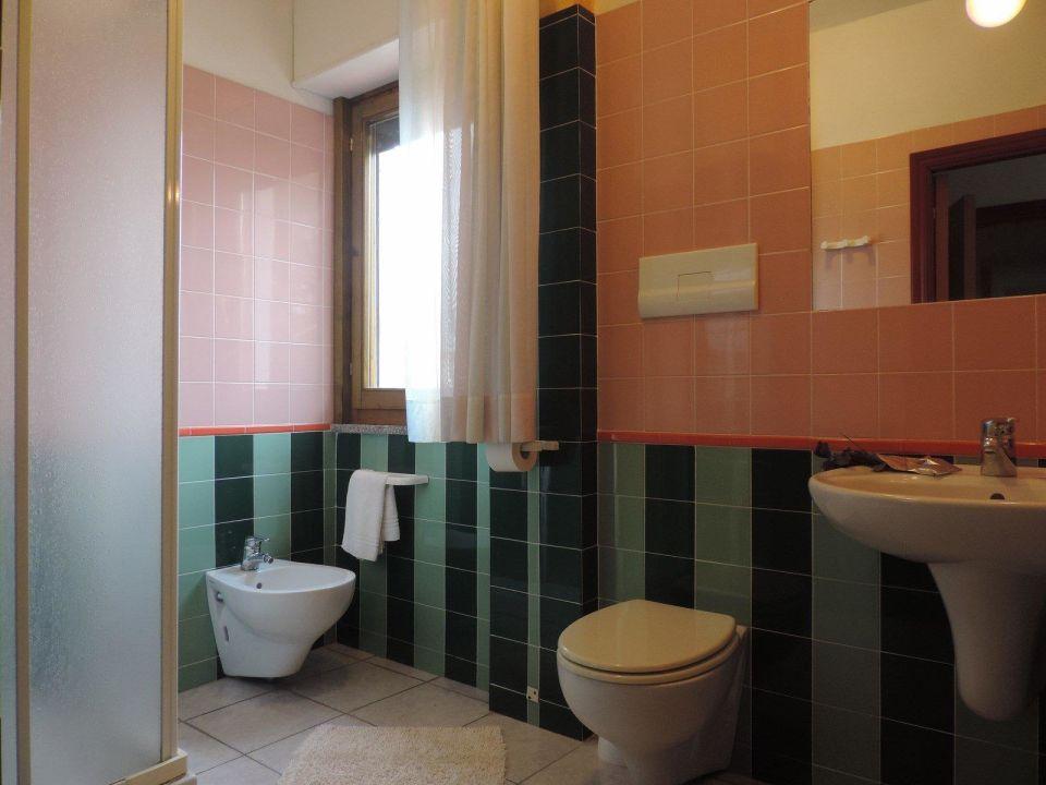 Sala da bagno s 39 ustiarvu orosei holidaycheck - Sala da bagno ...