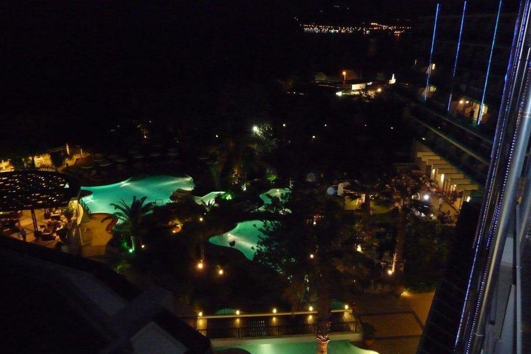 Nachtausblick Hotel Calypso Beach
