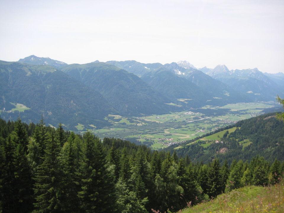 Da unten liegt Gundersheim und Grafendorf Hotel Forellenhof Waldner