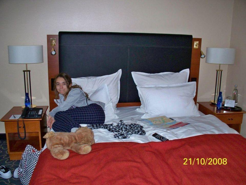gem tliches bett steigenberger hotel hamburg hamburg holidaycheck hamburg deutschland. Black Bedroom Furniture Sets. Home Design Ideas