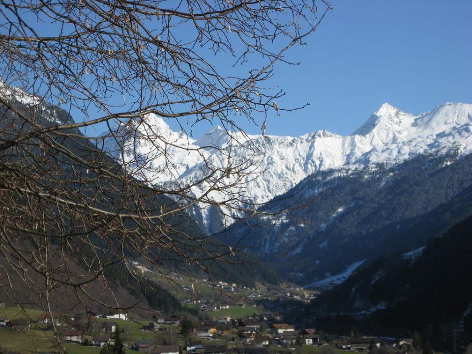 Blick auf die Berge BergSpa & Hotel Zamangspitze