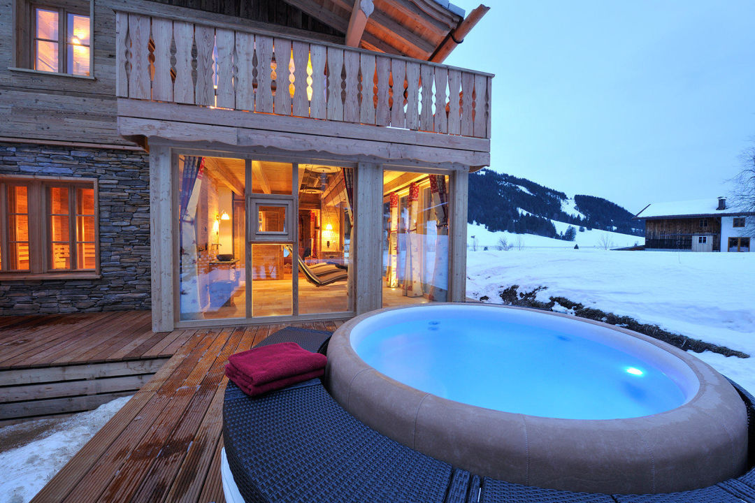 hotpool chalet grand fl h nesselw ngle holidaycheck tirol sterreich. Black Bedroom Furniture Sets. Home Design Ideas