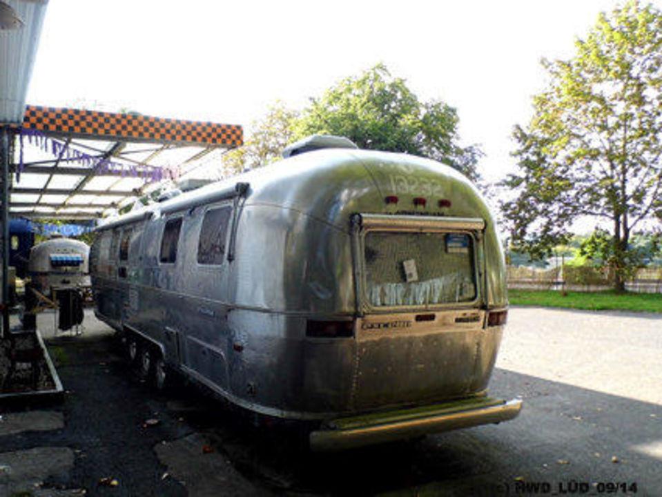 bild us camping zu hostel basecamp bonn in bonn. Black Bedroom Furniture Sets. Home Design Ideas