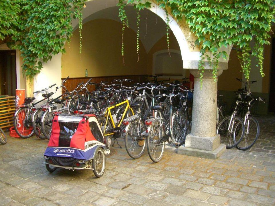Fahrradhof vom Hotel Hotel Goldenes Kreuz