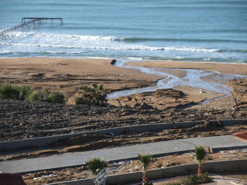 Strandansicht vom Hotel aus Alba Royal Hotel