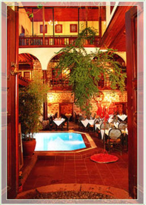 Innenhof Alp Pasa Boutique Hotel Altstadt