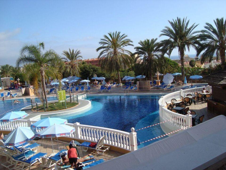 bild badezimmert r zu playa real resort in costa adeje. Black Bedroom Furniture Sets. Home Design Ideas