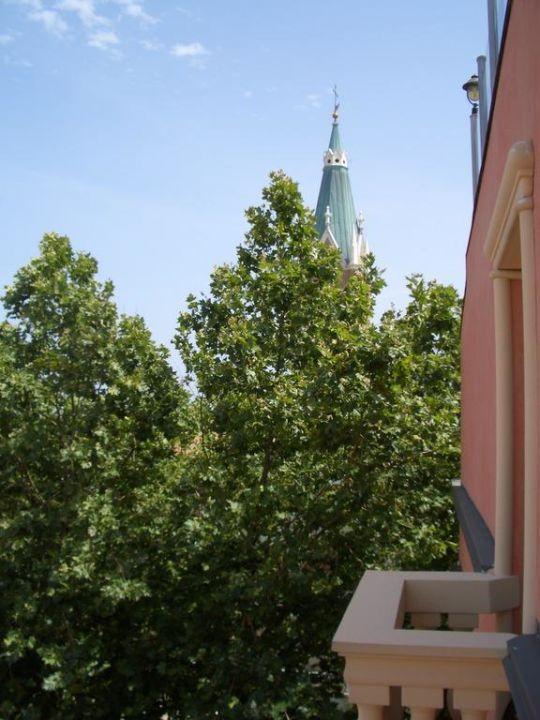 Blick zum Mini-Balkon Hotel President