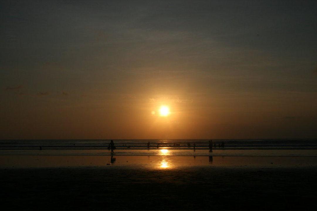 Sonnenuntergang Legian Beach Hotel