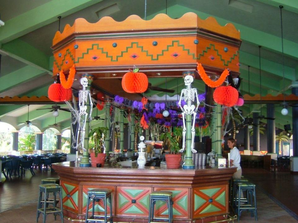 Allerheiligen-Schmuck RIU Yucatan Bar Hotel Riu Yucatan
