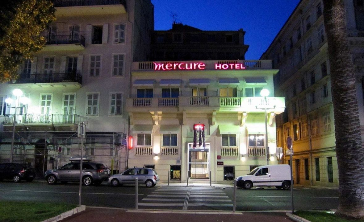 night view hotel mercure nice march aux fleurs nizza holidaycheck c te d 39 azur frankreich. Black Bedroom Furniture Sets. Home Design Ideas