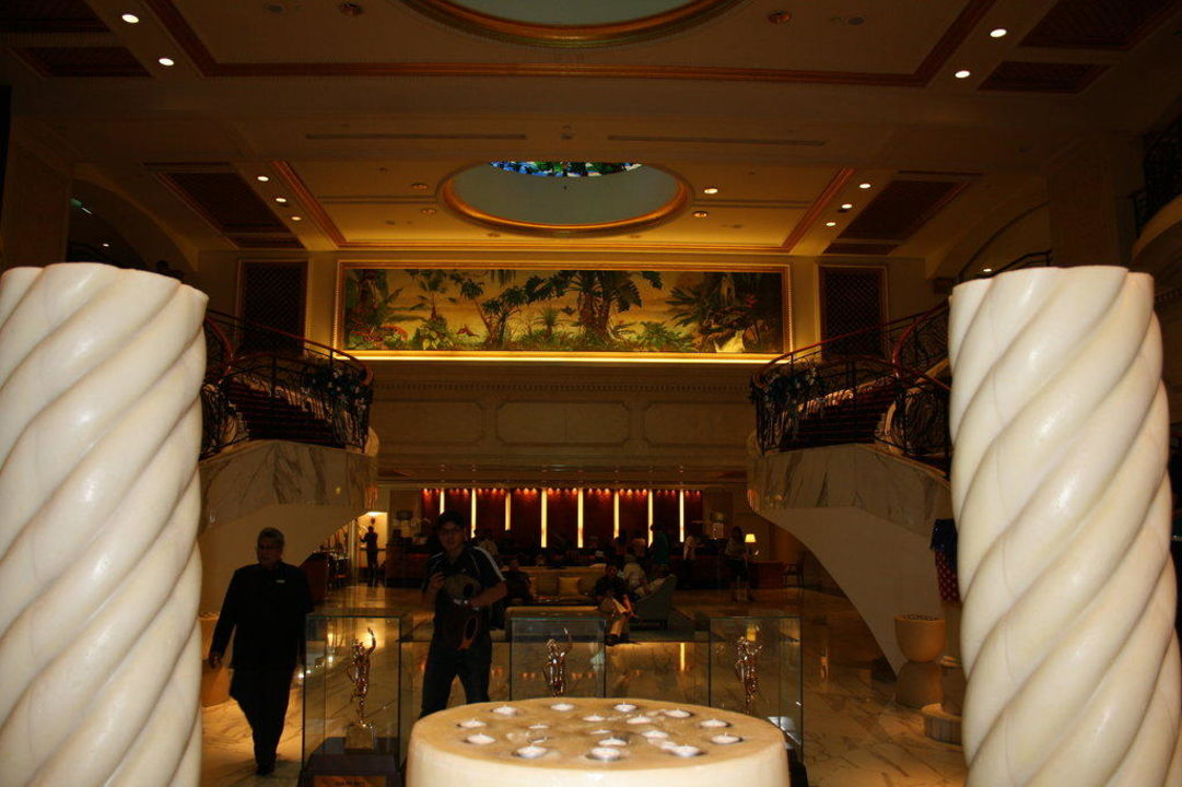 Hotel Lobby Hotel Royal Plaza on Scotts