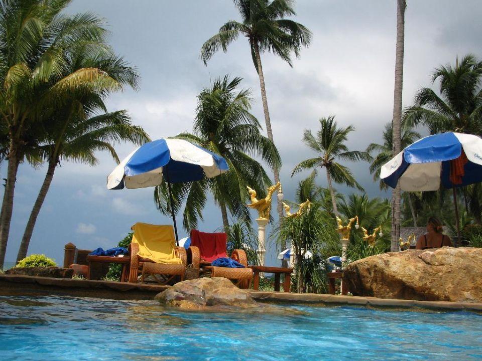Gemütliches Plätzchen am Pool Santhiya Tree Koh Chang Resort