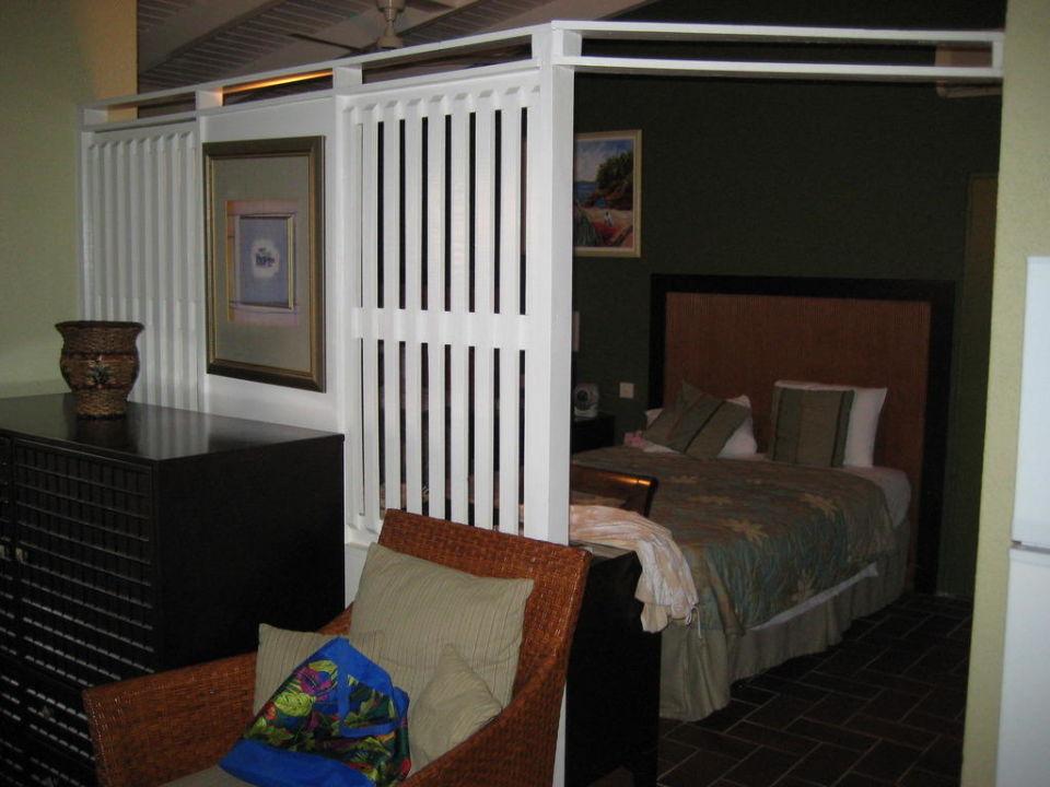trennwand zwischen wohn und schlafzimmer hotel blue horizons garden resort grand anse. Black Bedroom Furniture Sets. Home Design Ideas