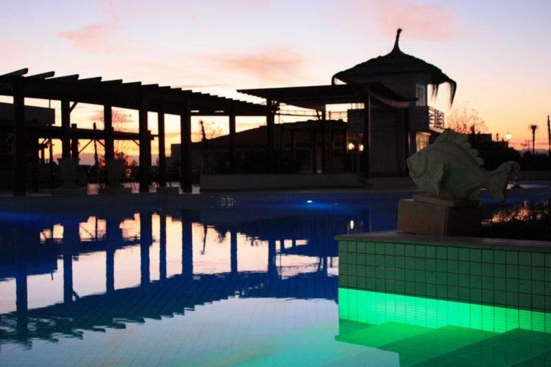 Pool bei Sonnenuntergang 2 Ela Quality Resort Belek