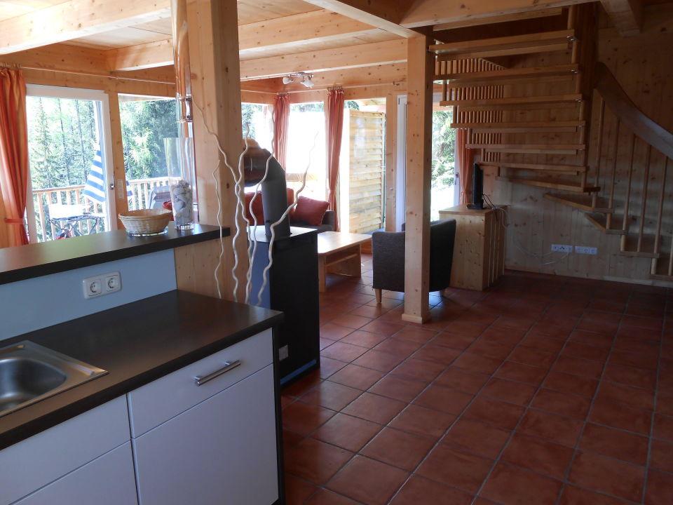 Wohn-Eßzimmer mit Küche\