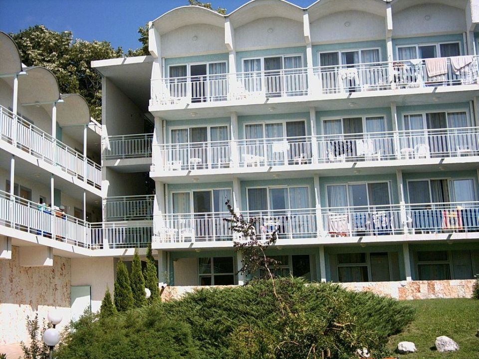 Eine Seite der Hotelanlage Hotel Orchidea/Orchideja