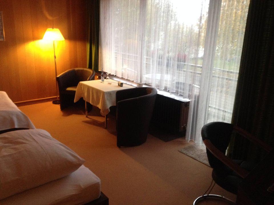 Doppelzimmer hotel airfield in ganderkesee for Airfield hotel ganderkesee