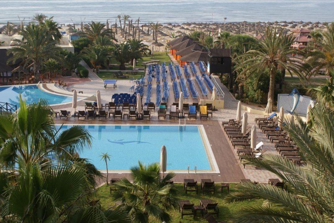 Widok z okna hotelowego z 3 pietra Hotel Paradis Palace