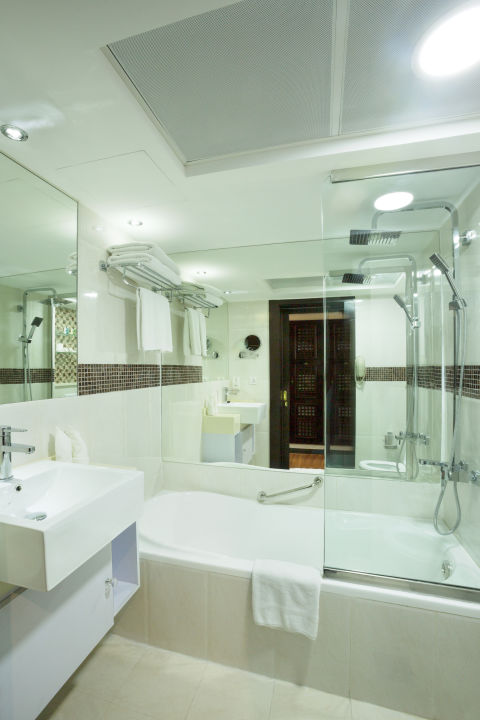 Zimmer Arabian Courtyard Hotel & Spa
