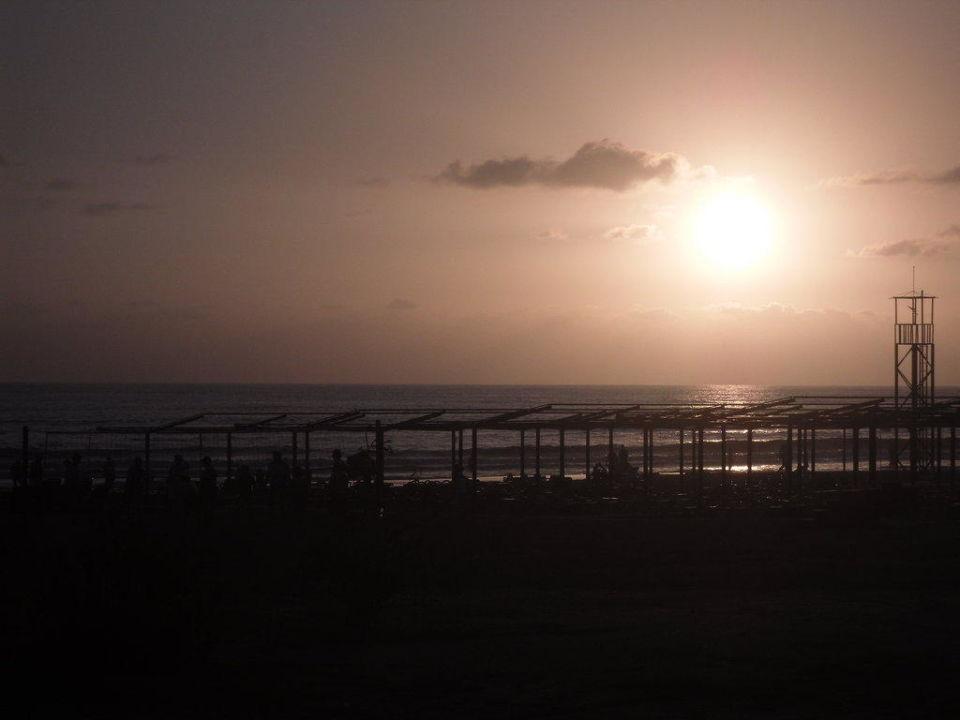 Sonnenuntergang am Meer Hotel Grand Seker