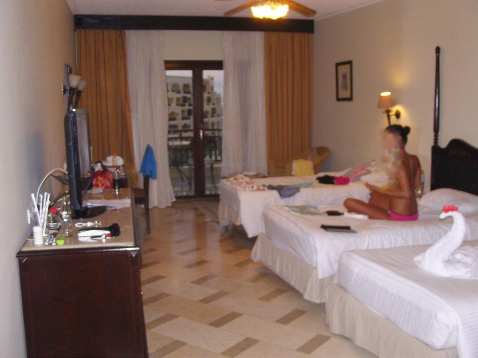 Familienzimmer mit zustellbett steigenberger aldau beach for Hotel mit familienzimmer
