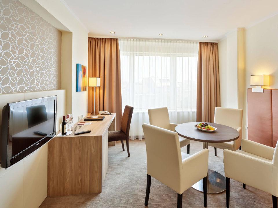 bild triple seven suite 777 wohnzimmer zu austria trend hotel schillerpark linz in linz. Black Bedroom Furniture Sets. Home Design Ideas